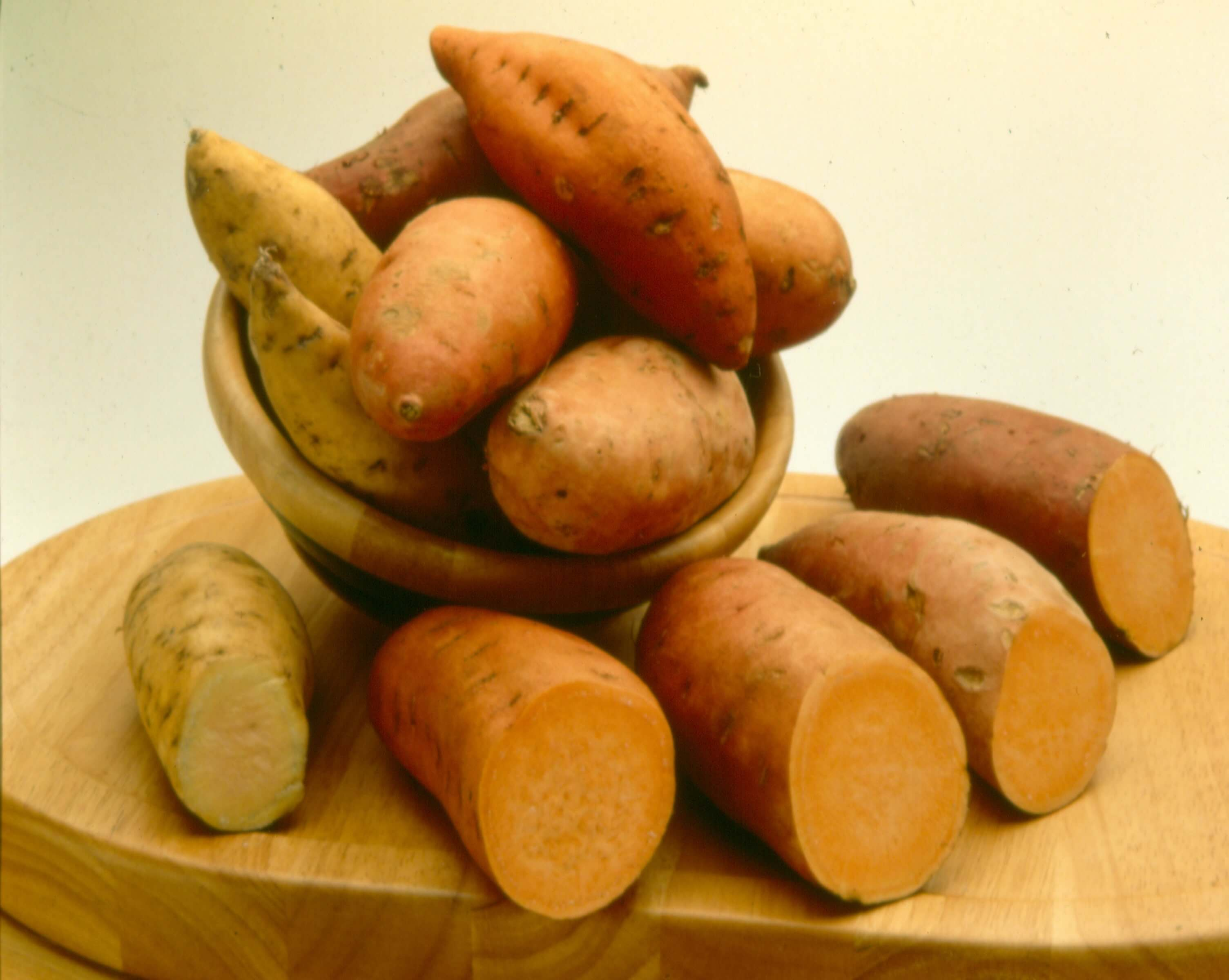 Sweet potatoes tasty farmer - Potatoes choose depending food want prepare ...
